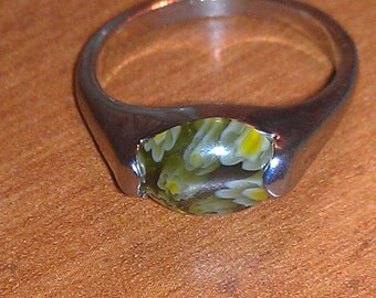Beautiful Vintage Sterling Silver Green Yellow Millefiori Glass Ring Size 7 1/2