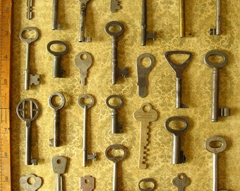 Wholesale Set Vintage Antique Skeleton Keys - Why Pay For Single Old Keys When You Can Buy an Entire Lot