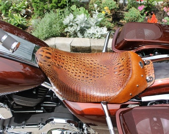 Harley Luxury Touring Solo Seat