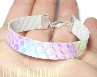 Rainbow iridescent bracelet