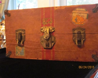 1940s  Educational Playthings Doll Steamer Trunk --Handmade hangers and doll clothes included