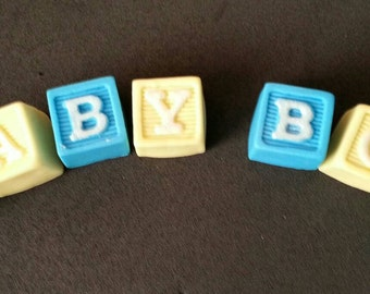 Fondant personalized letter blocks cake topper