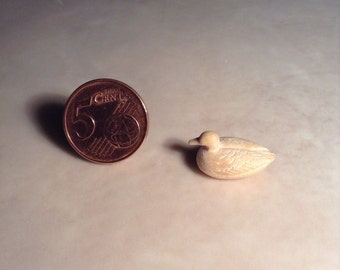 Wooden miniature Duck - Natural wood with carving (Duck_Carving 2)