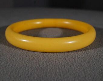 Vintage Butterscotch Bakelite Curved Domed Stackable Style Bangle Bracelet