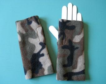 Cozy Camo Fleece Hand Warmers / Fingerless Gloves / Green Camo Fleece