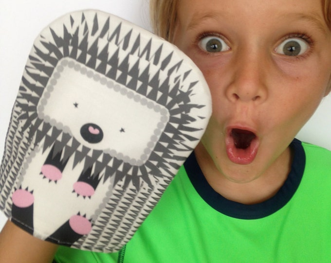 Reusable Snack Bag- SNUPPET™ snack puppet- Hedgehog