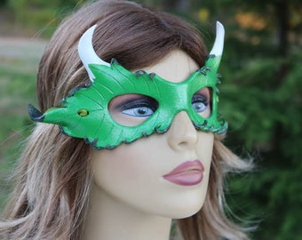 Horned leaf green mask LEATHER