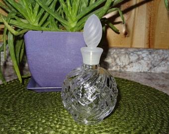 Vintage Avon Perfume Bottle / Avon / Perfume Bottle / Avon Soft Swirls Bath Decanter