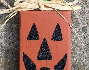 Wood Pumpkin Block H62231