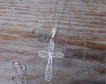 pretty vintage sterling silver filigree cross and chain