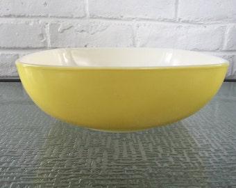 Pyrex Hostess Bowl