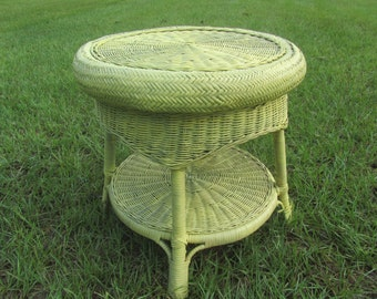 Charming Shabby Chic Table,antique Wicker,yellow, Wicker Table,nightstand, Round  Table