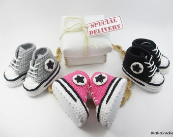 Sneakers Baby Converse Crochet, Crochet Baby Shoes, Crochet Baby Booties, converse style, baby photo prop, baby shower gift, crochet sneaker