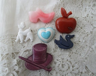 Retro brooch x 6