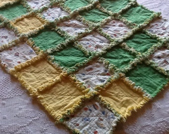 Green, yellow and white rag quilt