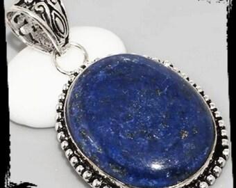 Lapis lazuli vintage style pendant seot in 925 silver ona 925 silver chain