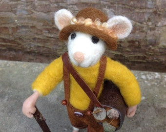 Needle felted rat in his lederhosen.