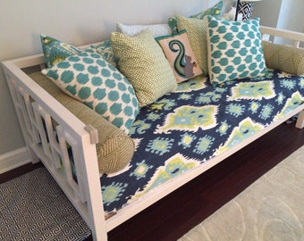 Fitted Daybed COMPLETE SET for Full sized Daybed - Complete Daybed Set with Pillows in Premier Prints Ikat Canal