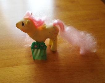 My Little Pony Flutter Pony Rosedust with Original Comb Hasbro Vintage Ponies