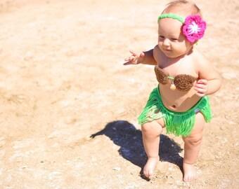 Crochet hula girl costume . Baby hula costume . Crochet hula costume . Crochet coconut bra