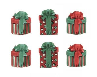 6 Traditional Presents Christmas Buttons Galore Holiday Fun Collection FAST COMBINED SHIPPING