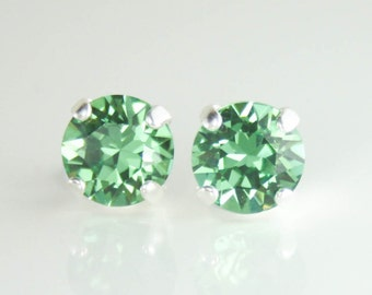 Green crystal earrings,stud earrings,crystal earrings,swarovski crystal earrings,8mm crystal earrings,swarovski erinite,fashion earrings