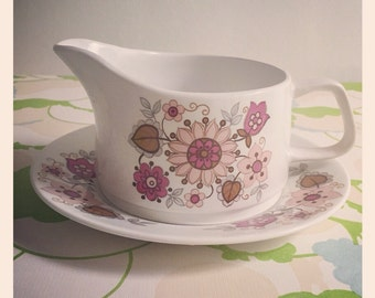 J & G Meakin - Filligree - Gravy boat and saucer
