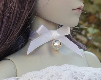 MSD sized white ribbon and bell choker for BJD and 1/4 sized fashion dolls, MNF/Unoa/Resinsoul/Souldoll/Dollzone etc..