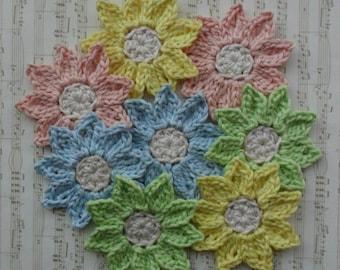 """Medium Crochet Pointy Daisy Applique Set - Set of 8 crochet flower applique - U Pick Colors - 2.2"""" or 5,5 cm - 89 Colors Available"""
