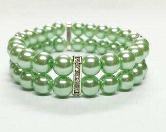 Mint Green Bracelet, bridesmaid gift, glass pearl bracelet, wedding jewelry, bridal jewelry, green wedding, beaded bracelet