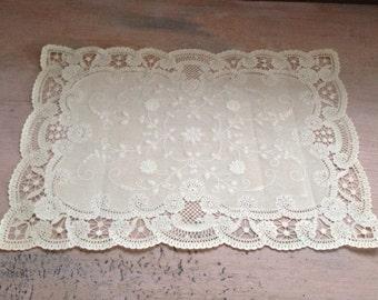 Vintage Lace Paper Doilies Placemats