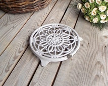 Grey Cast Iron Trivet - Enameled Round Table Mat - French Vintage Speckled Trivet - French Kitchen - Shabby Chic Table - Retro Kitchen Table