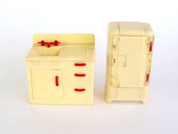 Vintage Renwal Kitchen Dollhouse Furniture Sink