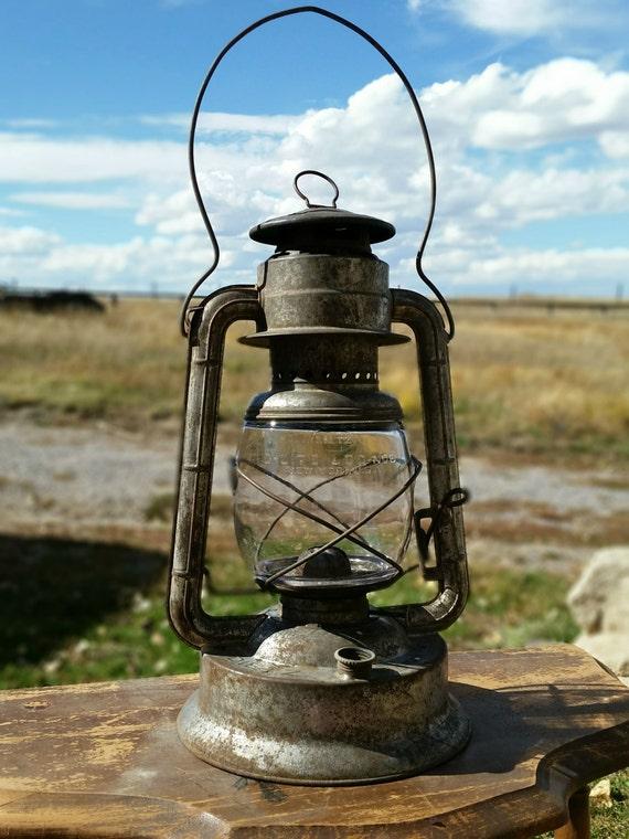 Antique Vintage Kerosene Lantern Dietz No 2 Large Fount Wizard