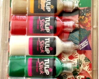 Tulip Starter Set Fabric Paint with Holiday Decorating Ideas Booklet