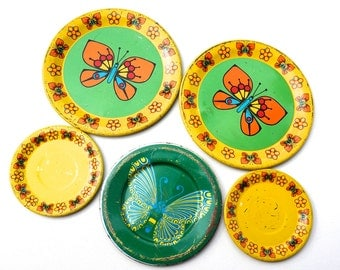 Vintage Tin Toy Plates,50s Litho Toy Dishes,Childs Tea Party Plates and Saucers,Yellow & Green Enamel Tin Plate,Butterfly Design,Toy Kitchen