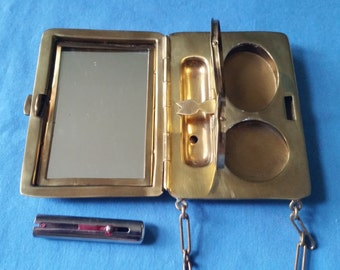 Antique Gold Tone Ribbed Compact Dance Purse
