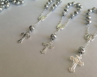20 baptism favors mini rosaries/ communion favors/ decenario / recuerdito para bautizo/ christening favor