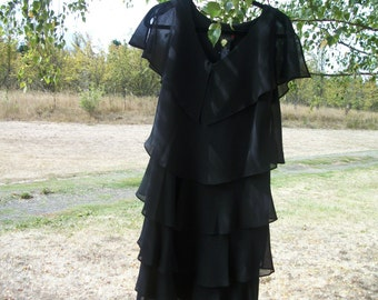 Beautiful in Black CREPE MULTILAYER RUFFLES Dress,size 10