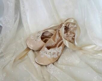 Champagne Bridal Flat Shoe, Ivory Bridal Wedding Flat Shoe, Ivory Bridal Ballet Slipper,  Lace Bridal Shoe, Ballet Style Dance Shoe