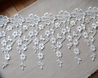 "2 Yards Fabulous White Venice lace Floral Embroidery Teardrop Tassel Lace Trim 7.48"" Wide"
