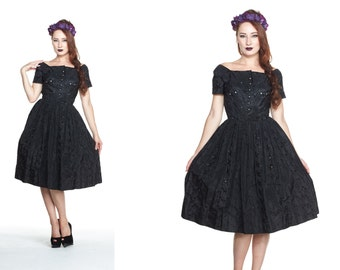 Vintage Black Eyelet Taffeta Embroidered Full Dress from the 1950s Size S