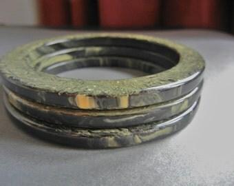 Vintage Bakelite Bracelet Set, Bakelite Bracelet lot, End of Day Bakelite Bangles, Dark Green Yellow Bakelite, black yellow bakelite bangles