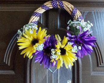 Spider flower wreath