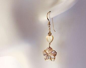 Plumeria Shell Earrings, Pearl Plumeria Earrings, Hawaiian Plumeria Earrings, Frangipani Shell Earrings, Gold Lip Shell Plumeria Earrings