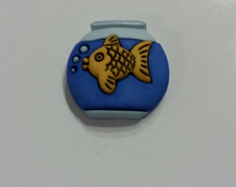 Gold Fish Needle Minder