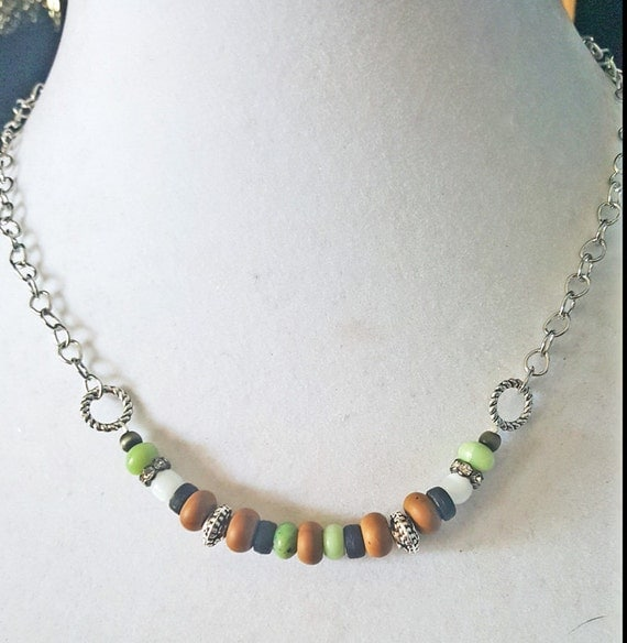 Mossy Oak Beaded Power Necklace and Earrings