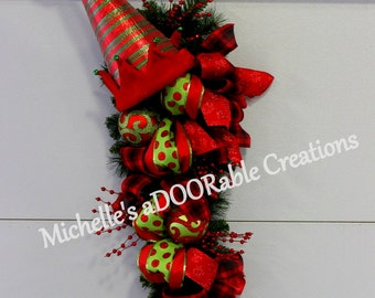 Christmas Wreath, Christmas Swag, Elf Hat Christmas Wreath, Elf Hat Swag Teardrop