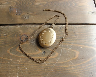 Vintage 1/20 12k Yellow Gold Filled Long Necklace and Locket