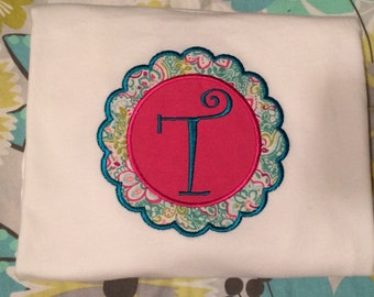 Scalloped Circle with Initial
